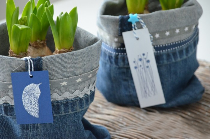 DIY-Recycled-Jeans-Planter-1-700x463